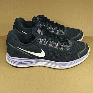 Nike Women's Lunarglide+ 4 Running Shoes